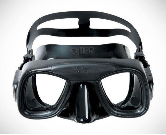 OMAR-ABYSS-Mask.jpg